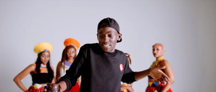 X-O – WAGAMAMA feat. MUNASHE (prod. by TENDAI) Official Music Video